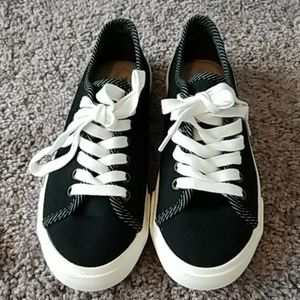 Margaritaville black canvas ladies shoes-7